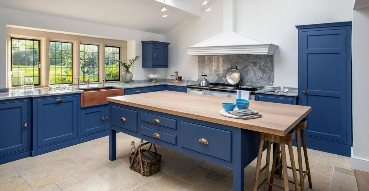 Uncategorized aga kitchen designs wingsioskins home design for Aga kitchen design ideas